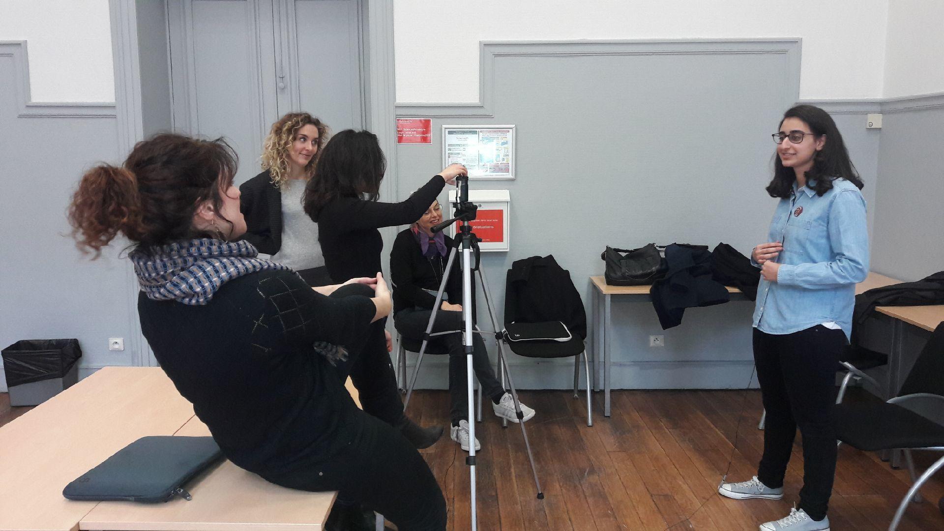 SciencesPo utilise EasyMovie pour le tournage d'une vidéo d'entreprise